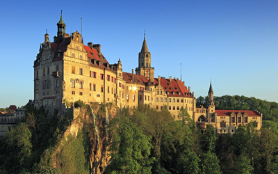 Clear sky above Sigmaringen Castle Wallpaper