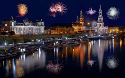 Dresden wallpaper