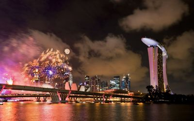 Fireworks over Singapore wallpaper