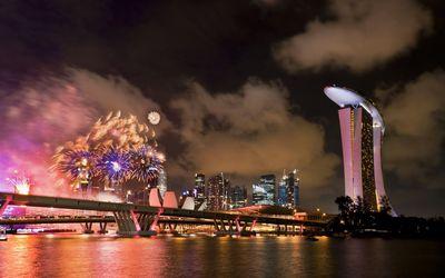 Fireworks over Singapore Wallpaper