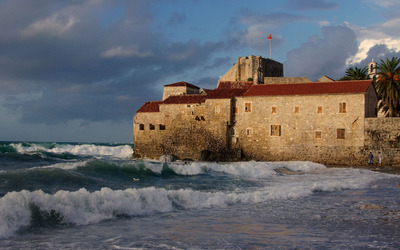 Fortress at the seashore wallpaper
