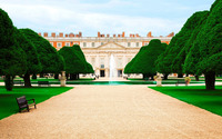 Hampton Court Palace wallpaper 2560x1440 jpg