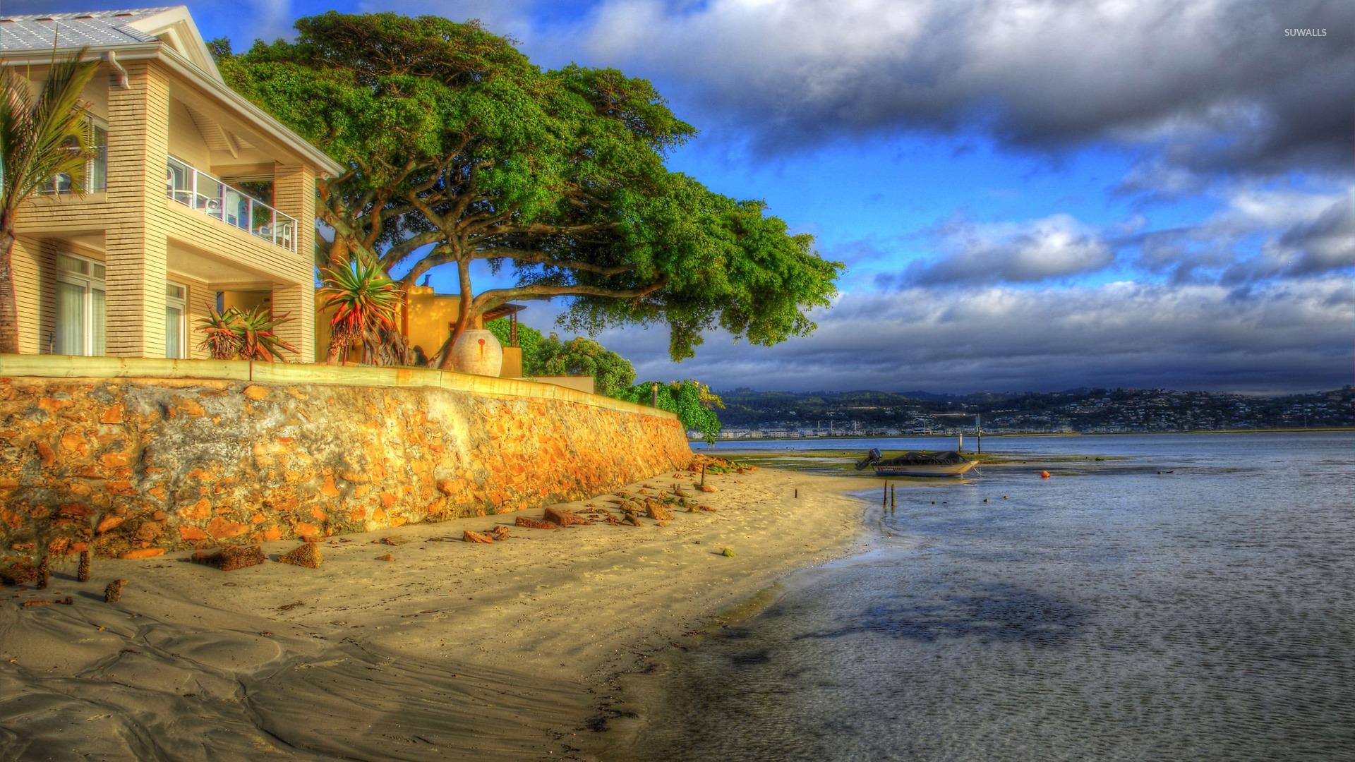 Sandy Beach Wallpaper: House On Sandy Beach Wallpaper