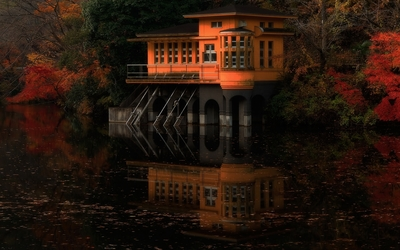 House reflecting in the water Wallpaper