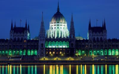 Hungarian Parliament Building [2] wallpaper