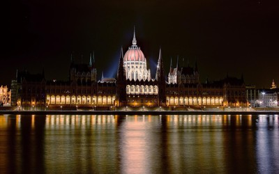 Hungarian Parliament Building [3] wallpaper