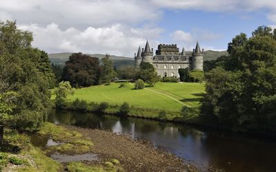 Inveraray Castle in Argyll wallpaper