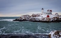 Lighthouse on rocky shore [2] wallpaper 2560x1600 jpg