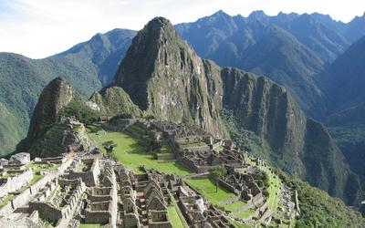 Machu Picchu ruins wallpaper