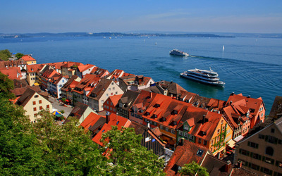 Meersburg in the summer wallpaper