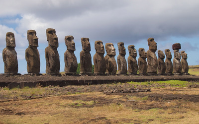 Moai wallpaper