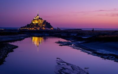 Mont Saint-Michel after the sunset wallpaper