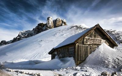 Mountain house wallpaper