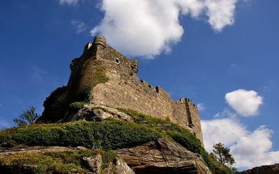 Old fortress wall on top of the hill wallpaper