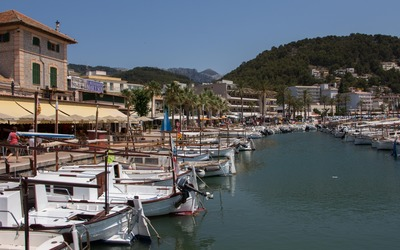 Port de Soller marina wallpaper