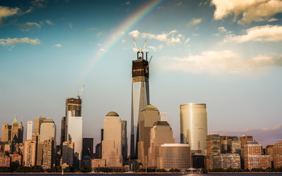 Rainbow over downtown New York wallpaper