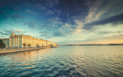 River Neva in Saint Petersburg wallpaper
