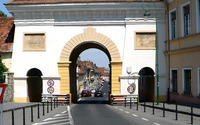 Road through Schei Gate wallpaper 2560x1600 jpg