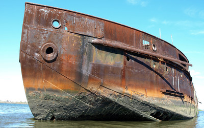 Rusty boat wallpaper