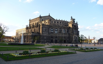 Semperoper Wallpaper