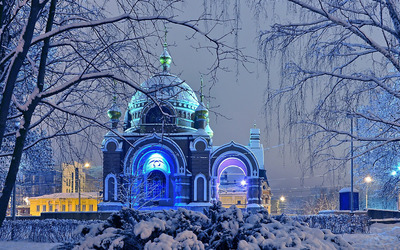 Snowy church Wallpaper