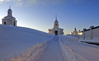 Snowy path towards the churches wallpaper 2560x1600 jpg