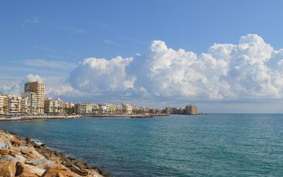 Sunny day on El Cura beach wallpaper