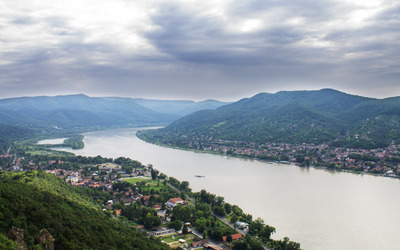 The Danube Bend wallpaper