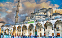 Visitors around Sultan Ahmed Mosque wallpaper 1920x1200 jpg