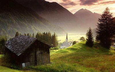 Wooden cabin in the sunrise Wallpaper